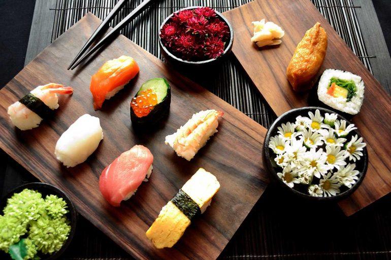 Kobe Jones - Art of Japanese Food Decoration